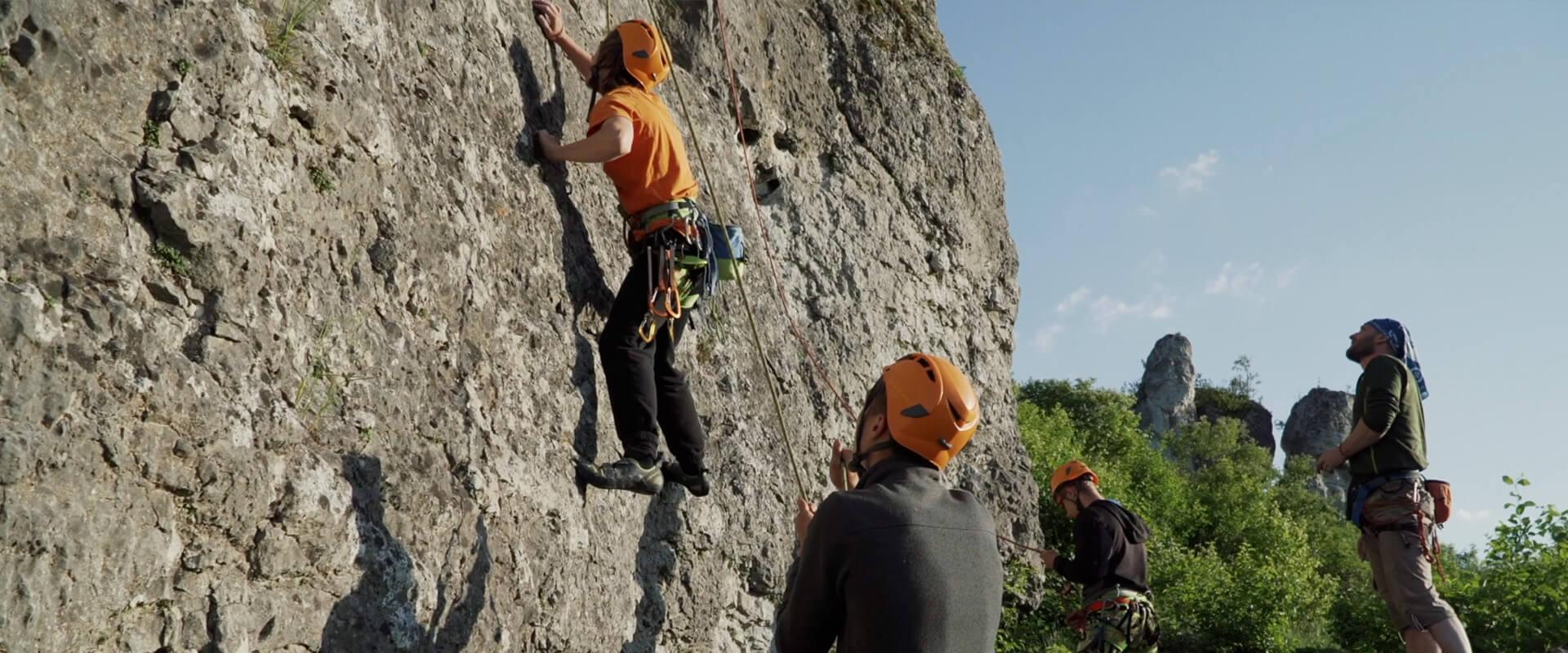 wspinacze na skałkach